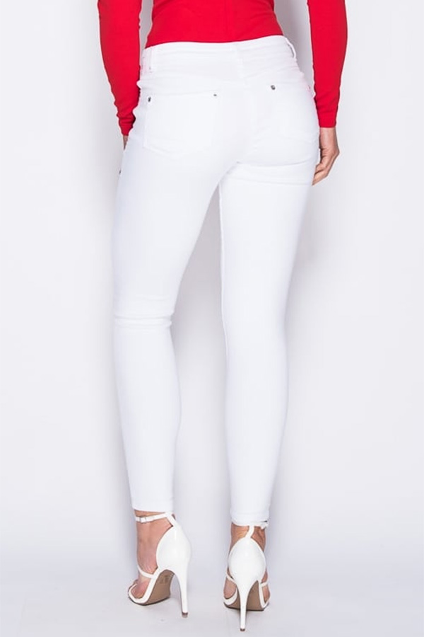 Embroidered Patch Knee Slit White Skinny Jeans